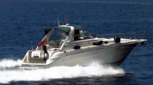 Motorboot mieten auf Korfu. Motorbootcharter und Mitsegeln ab Gouvia Marina.