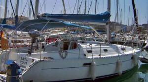 Oceanis 331 Benetau zum chartern und mitsegeln ab Korfu.